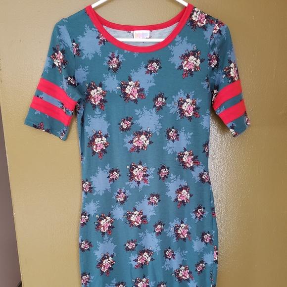 LuLaRoe Dresses & Skirts - Lularoe vintage Julia XS